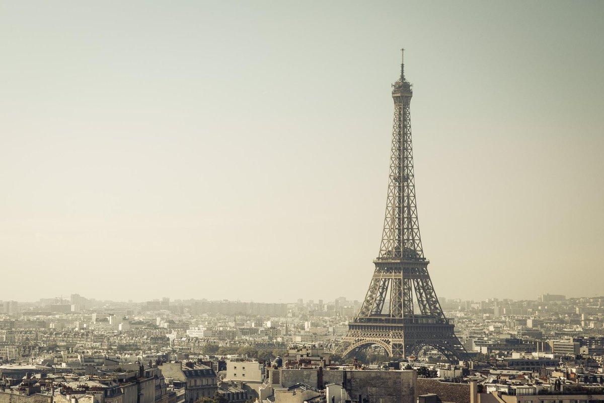 This beautiful  #eiffeltower #wallpaper here:  https:// wallcrave.com/wallpaper/4882 -eiffel-tower-paris-france-city &nbsp; … <br>http://pic.twitter.com/d61PFsDz85