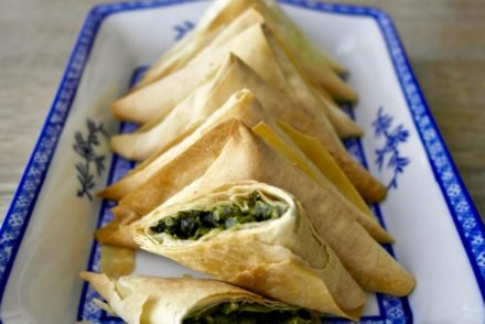 Mini Greek Vegan Spinach-Leek-Quinoa Pies – Spanakopita