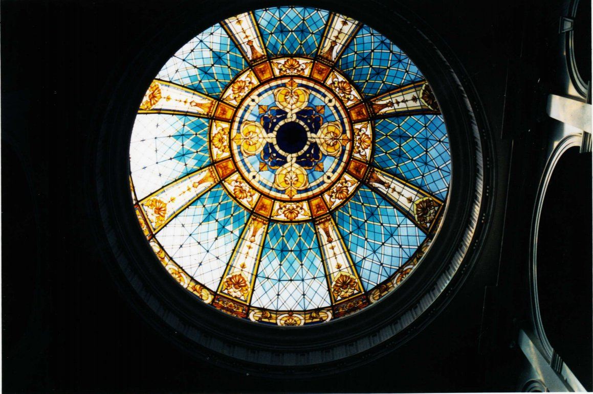 Discover  #stainedglassdomes handmade by France Vitrail International  https:// fr.pinterest.com/francevitrail/ domes-cupolas-ceilings-in-glass-by-france-vitrail-/ &nbsp; …  … #dome #luxury #deco #BestStyle #madeinFrance<br>http://pic.twitter.com/xMLJY16mZZ