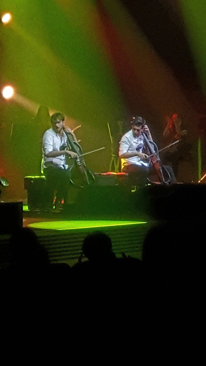 #2cellos #tokyo #stjepanhauser #lukasulic 2日間、楽しかったー🎵  ありがとう❤ Thank You