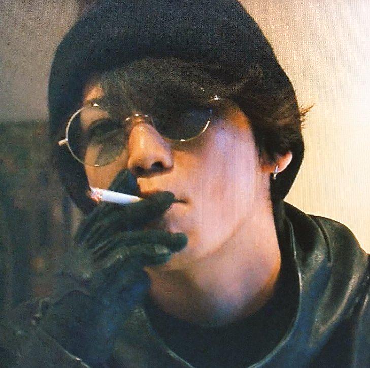 怪盗山猫煙草を吸う亀梨和也