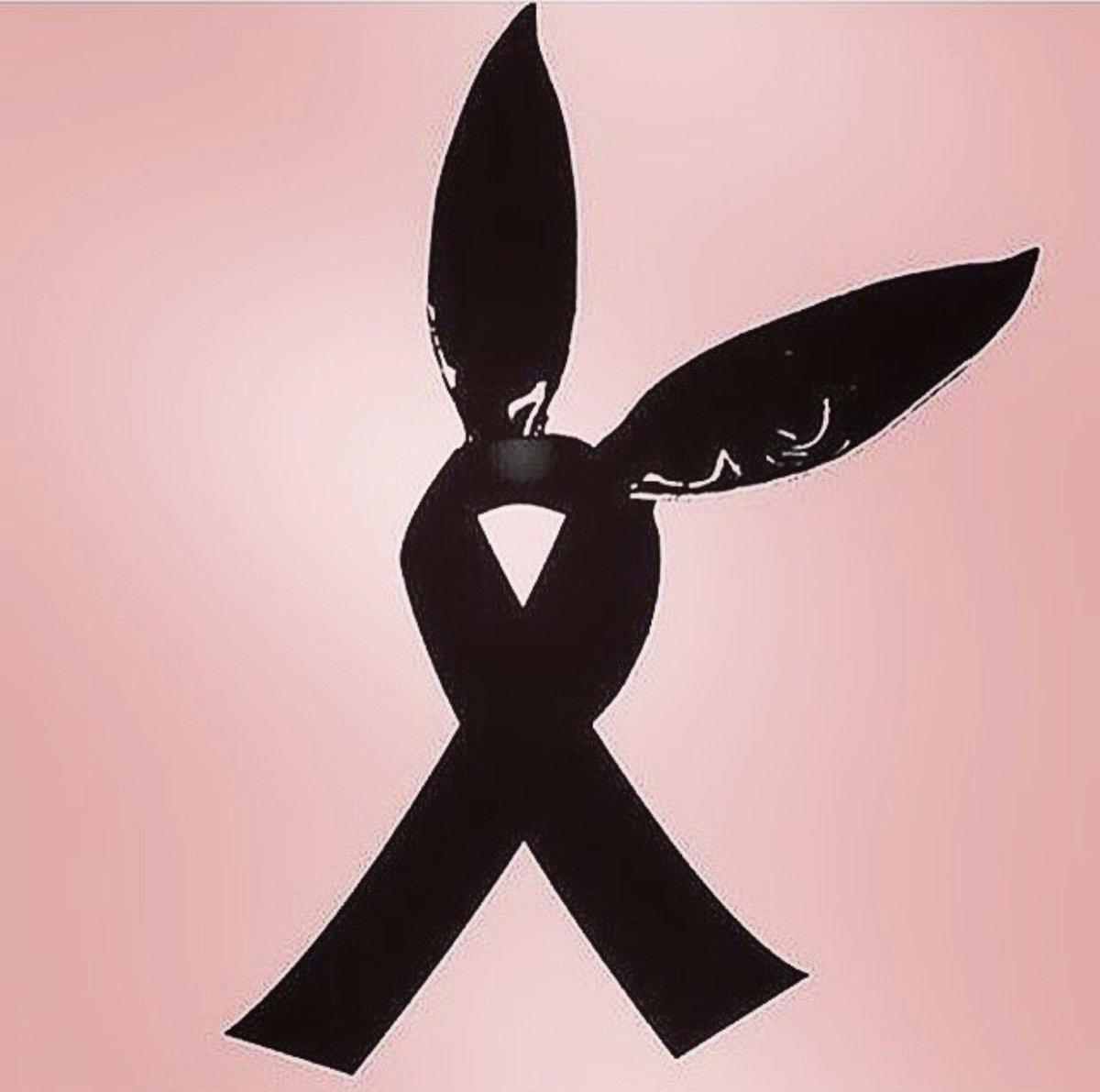 Todo nosso amor e conforto para as vítimas, familiares, amigos e à @ArianaGrande. #PrayForMancester https://t.co/x9avA071WB