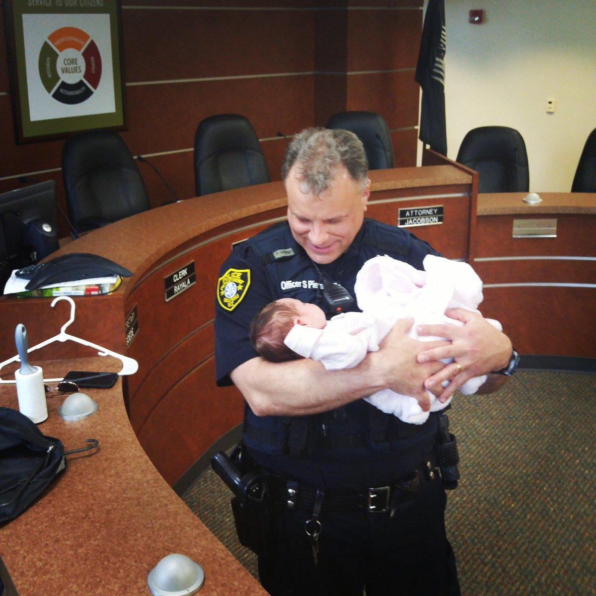 Wausau Police Dept (@wausaupd) | Twitter Moderne Gaerten Trends Blumenausstellung
