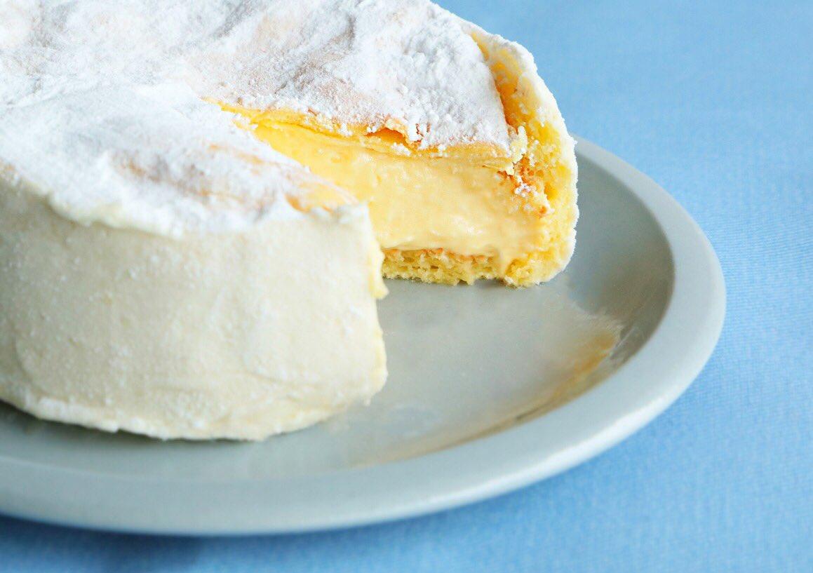 チーズケーキはお好きですか?私は大好きです!ユーハイムから、すんごいの出しちゃいました!もはや、ほとんどチーズに近いチーズケーキ(`・ω・´) https://t.co/WWsG8W3qS2