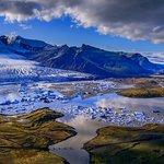 オーロラ、氷河、滝、虹にあふれた島。ファンタジーの世界に迷い込んだかのよう。(2013年アイスランド…