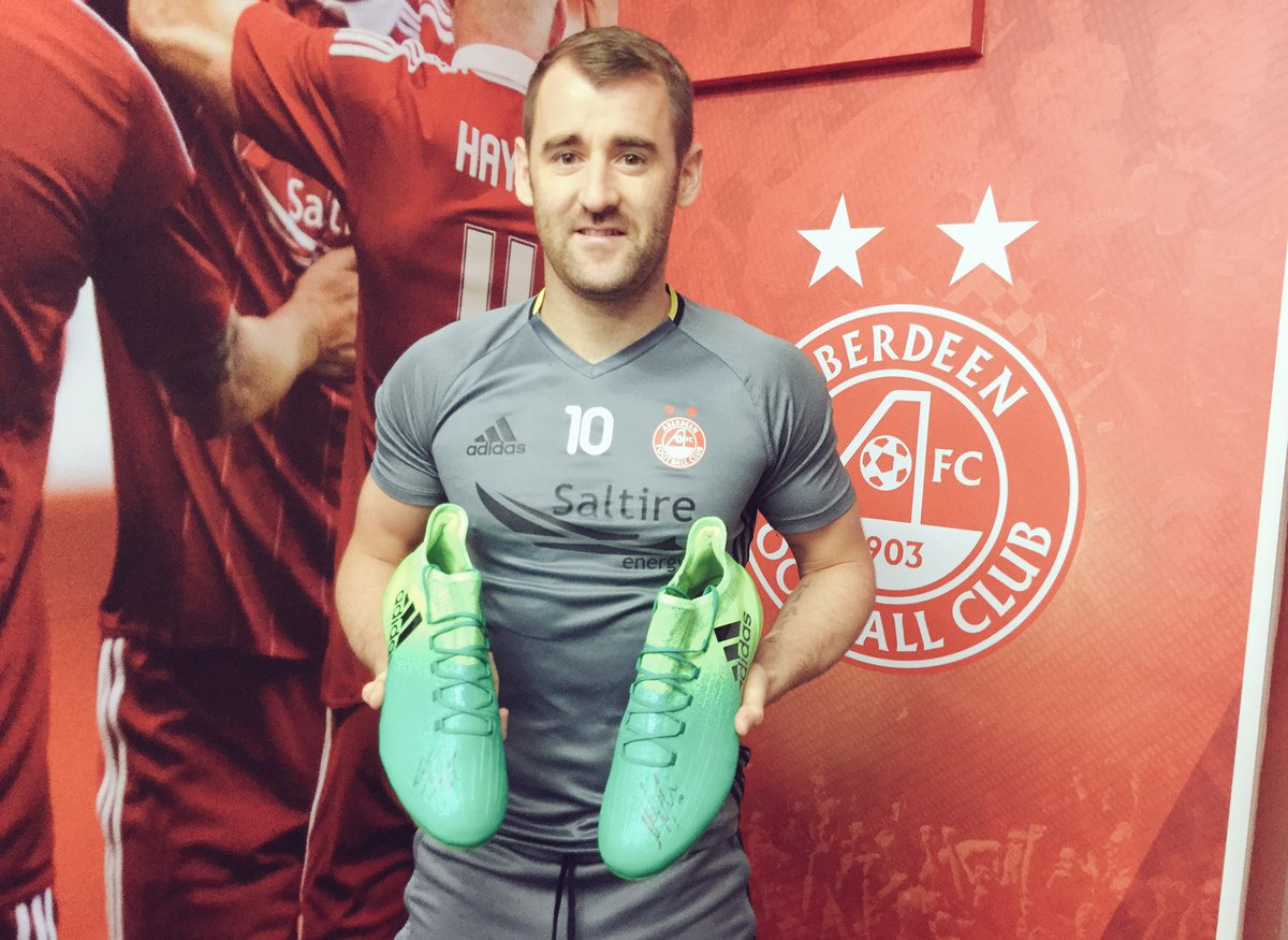 Thanks to our friends @adidasUK we have a pair of Turbocharge X 16+ boots to giveaway signed by @nmcginn10! #NeverFollow  RT to enter! <br>http://pic.twitter.com/9p5R1bLoat
