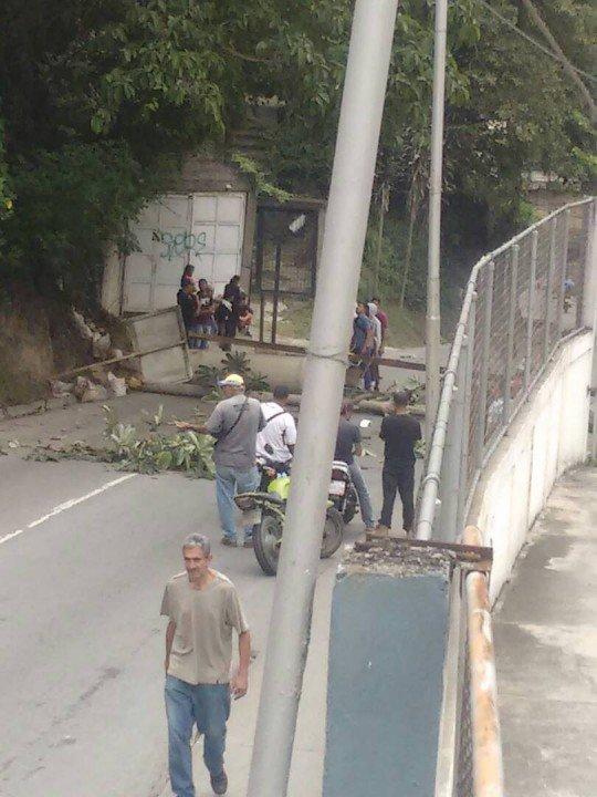 Derecha fascista ataca CDI del municipio...
