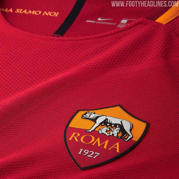 Roma presentó su nueva camiseta Nike para la temporada 2017 18 fadf9577649b9