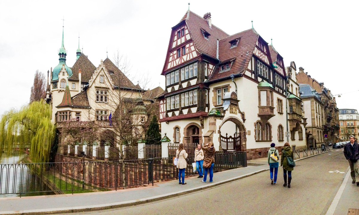 Such a cute place to visit in #France ! #Strasbourg  http:// ow.ly/e93030bTDiO  &nbsp;  <br>http://pic.twitter.com/a5KZeWDjcB