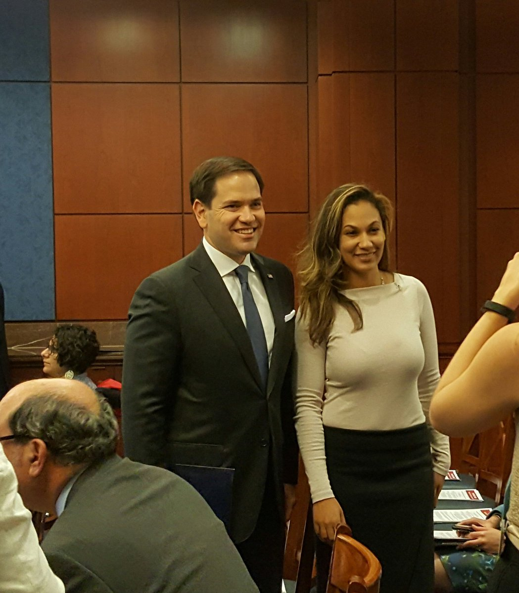 Our ED, @rizermonique with @marcorubio as we kick off our event about Children's Savings Accounts. #OurOppNation https://t.co/06yWdgCH5E