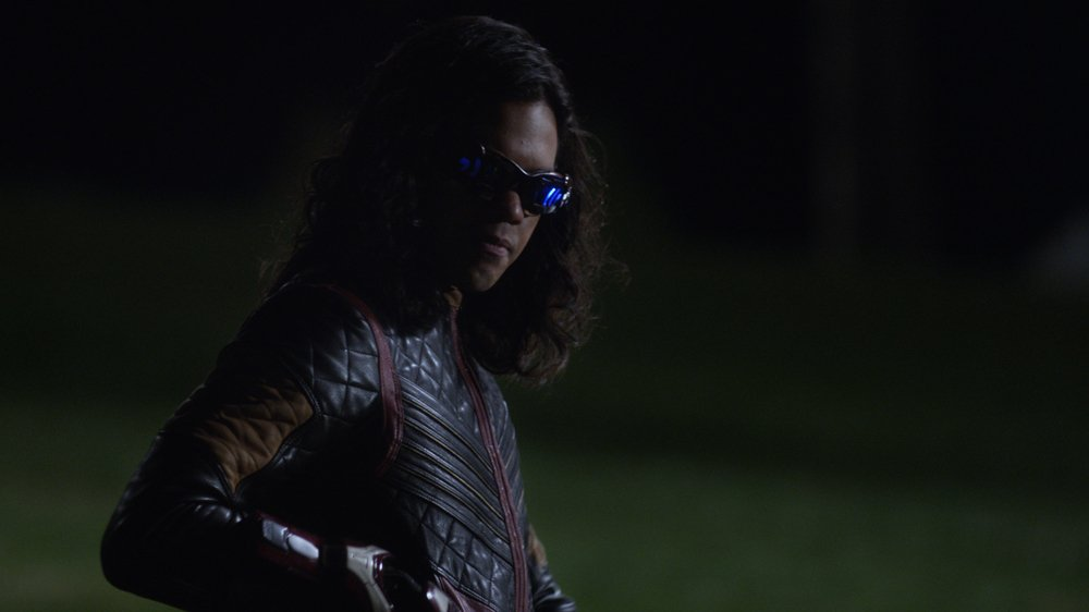 'The Flash' Season Finale Exclusive Clip: Savitar Holds Cisco Hostage https://t.co/w44uWp9D52 https://t.co/RSLhNeJvbO