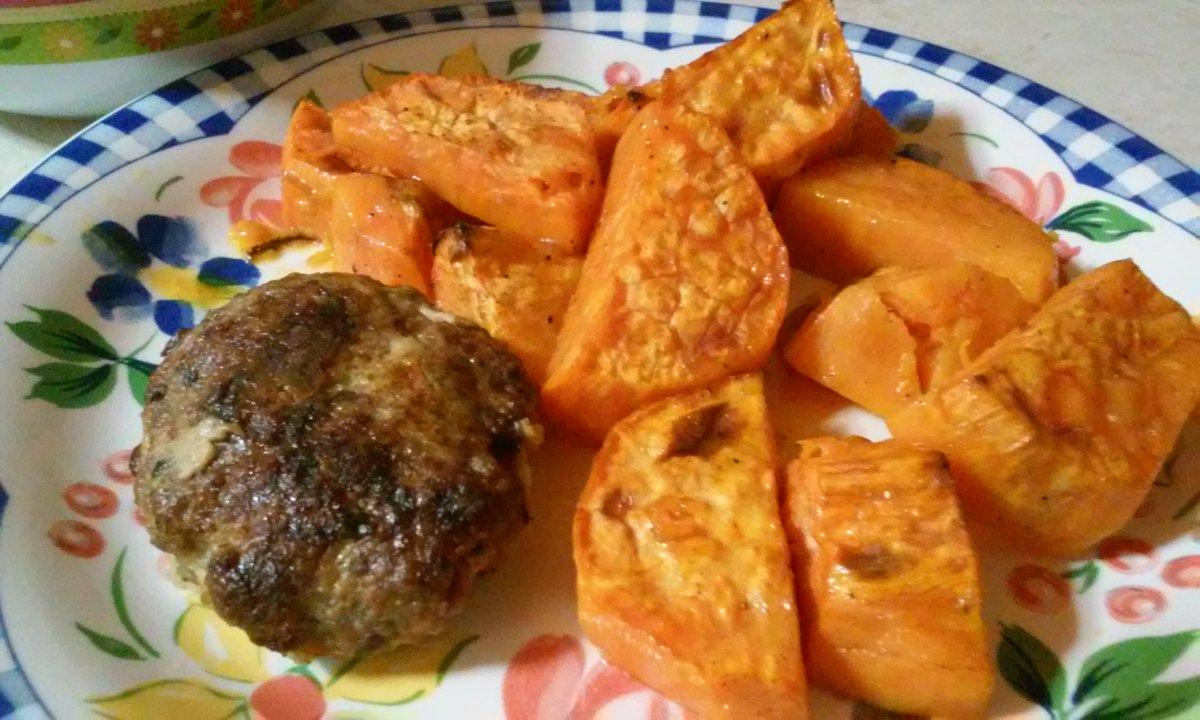 Baked yams with orange #goodeats #foodpic #eating  http:// bit.ly/2evImUq  &nbsp;  <br>http://pic.twitter.com/JPVH3mI9XI