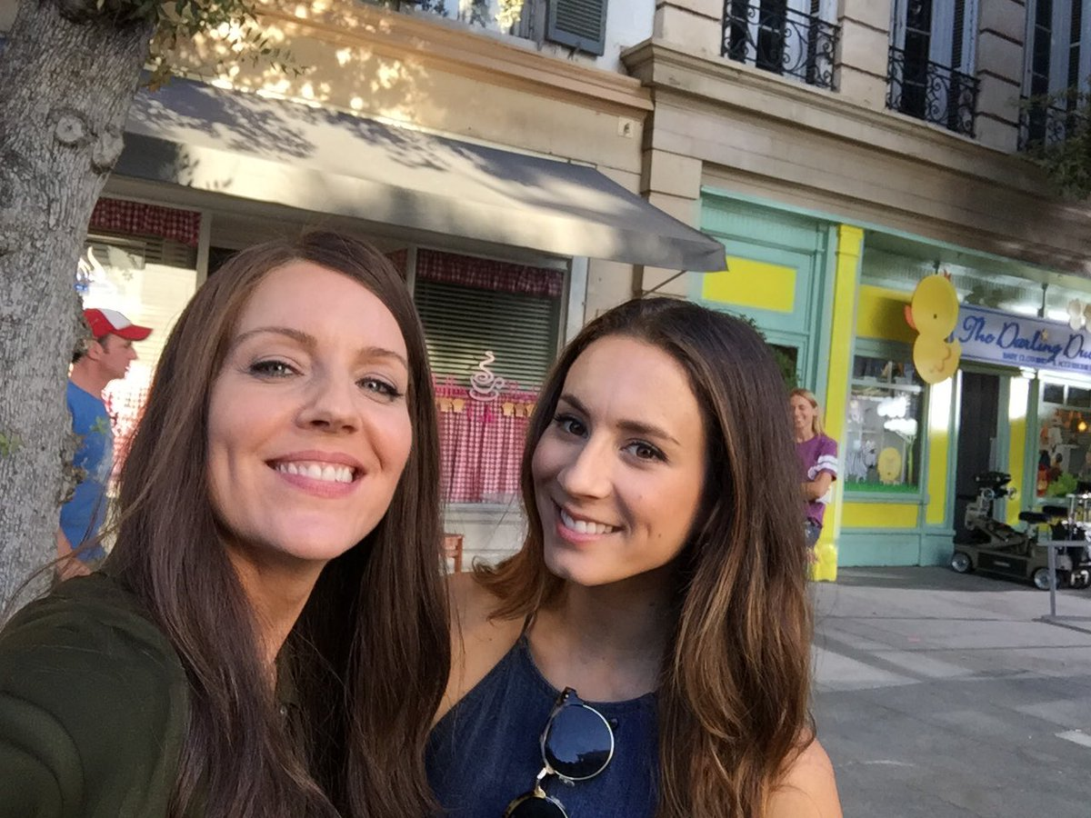Not only is she a superb actress but tonight we get to see her direct! So proud of you @SleepintheGardn xo #PLL #ProudMary