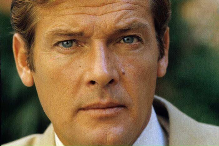 """Roger Moore: """"Il mio nome è Bond, James Bond"""""""