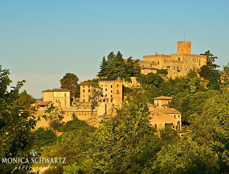 Tabiano Castello, one of the #medieval hill towns near #Parma, #Italy  http:// goo.gl/mKtNWF  &nbsp;   @WalksofItaly @ItalyMagazine @ItalianTalks<br>http://pic.twitter.com/CIEFZTRppQ