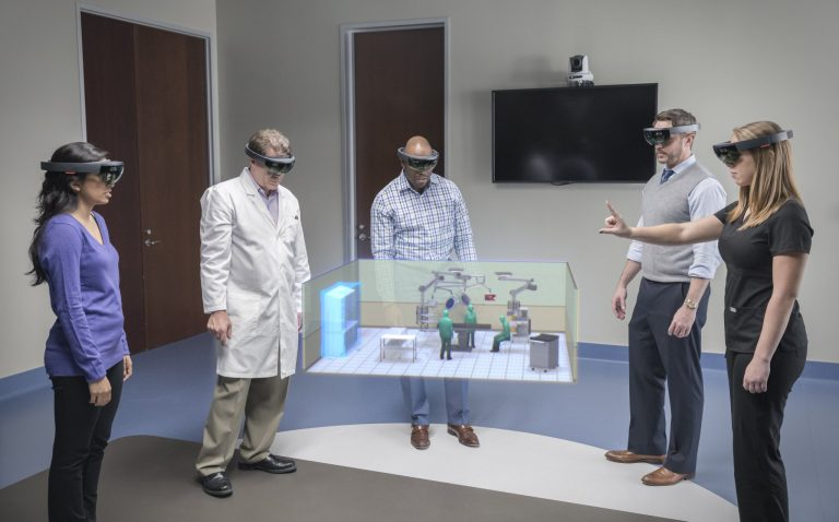 How #VR can improve OR efficiency @HoloLens  #Stryker #DigitalHealth   https:// goo.gl/nV9OKd  &nbsp;  <br>http://pic.twitter.com/cw7Q0zRqq7
