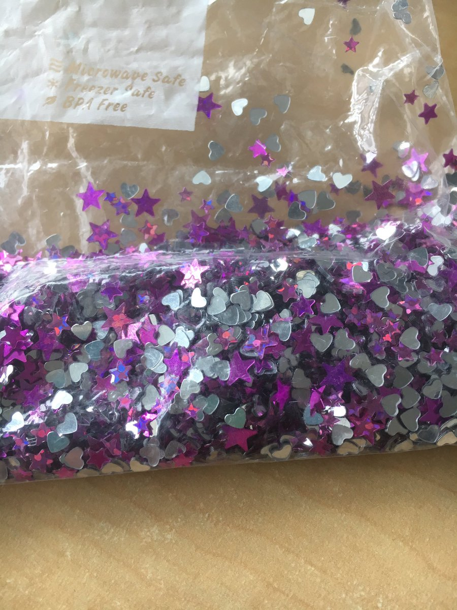 Props from yesterday - everything is better with #glitter including #copyright  #ULlife #presentation #sunshineinabag #librarylyfe<br>http://pic.twitter.com/9XHWFglbXB