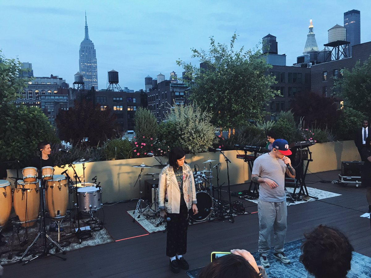 Summer is about rooftop shows. ✨ https://t.co/1wnz2Nan1S