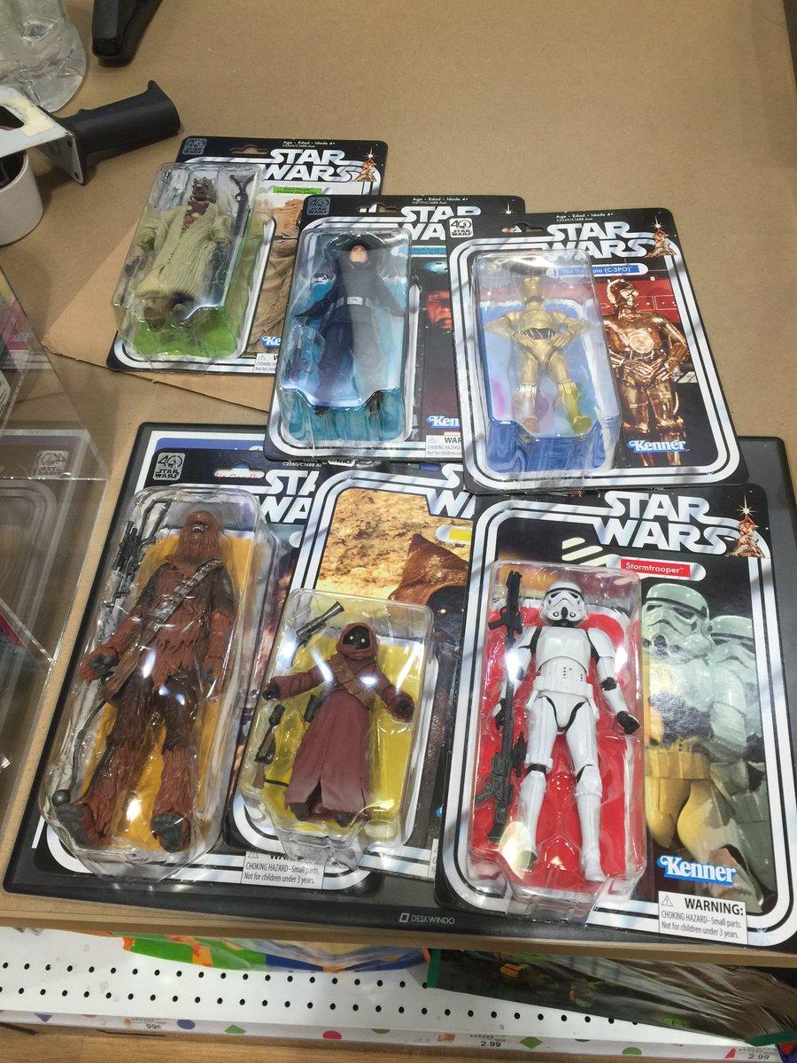 @starwars Wave 2 #40thanniversary #starwars #hasbro #sandperson #deathcommander #c-3po #chewbacca #stormtrooper #jawa <br>http://pic.twitter.com/buiD2fXuob