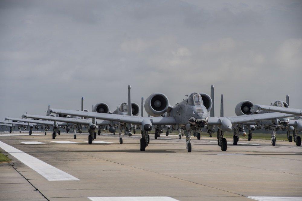 الوداع المؤجل - A-10 Thunderbolt II - صفحة 3 DAk-xxMWsAInFb_