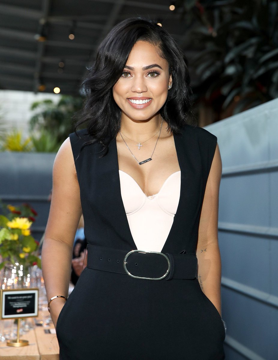 @ayeshacurry is opening her first restaurant in the fall—see what's on the menu: https://t.co/KZb7tuUOAp