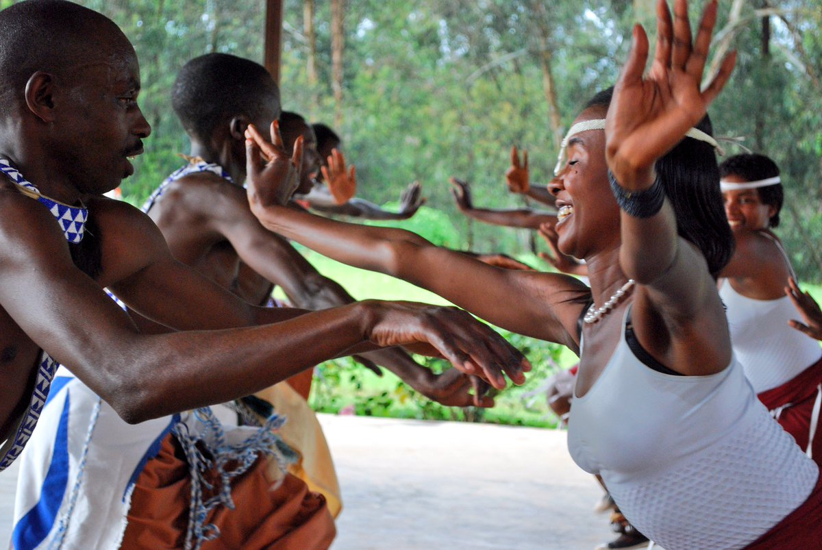 Watching the beautiful cultural #dance of #Rwanda is a highlight of any visit.<br>http://pic.twitter.com/QwgQABUqUj