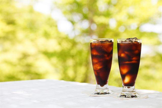 우리나라 성인 1인당 연간 커피 소비량 '377잔'  커피를 주로 마시는 시간은 점식 식사 후(27.6%)가 가장 많았다  https://t.co/6PTXDkgBoF