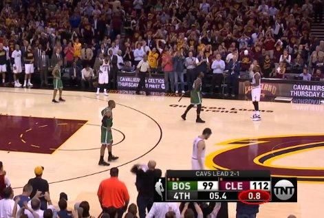 【影片】大比分領先最一攻到底投不投?看看詹皇是怎麼做的!