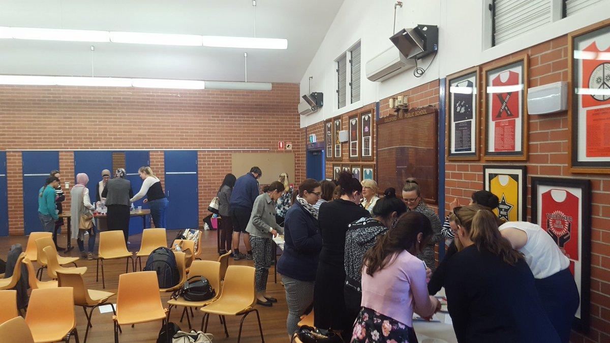 Guildford Teachers engaging in Science PL #curiosity #wonder #inspire #fairtest #investigations @ChrishabChris @salhaidar3 @nadinehaynes98<br>http://pic.twitter.com/53MIWyEnda