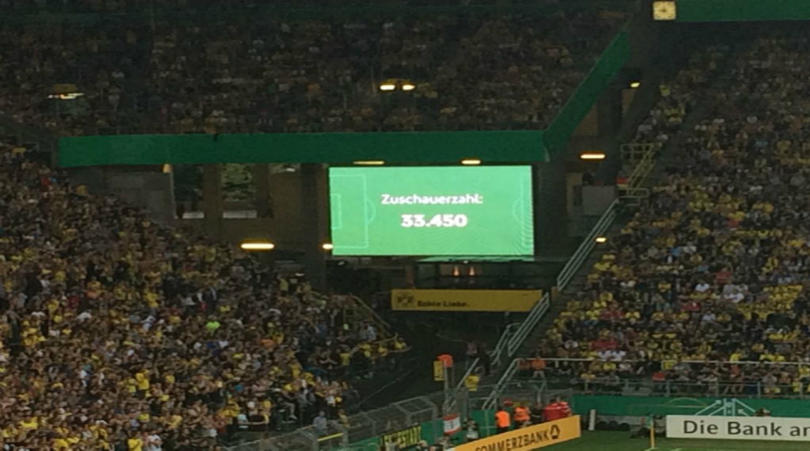 IN OTHER NEWS   Borussia Dortmund fans break attendance record for U19 match      http:// fft.sm/S4fgkB  &nbsp;   @BVB #BVB <br>http://pic.twitter.com/Qeheu007K8