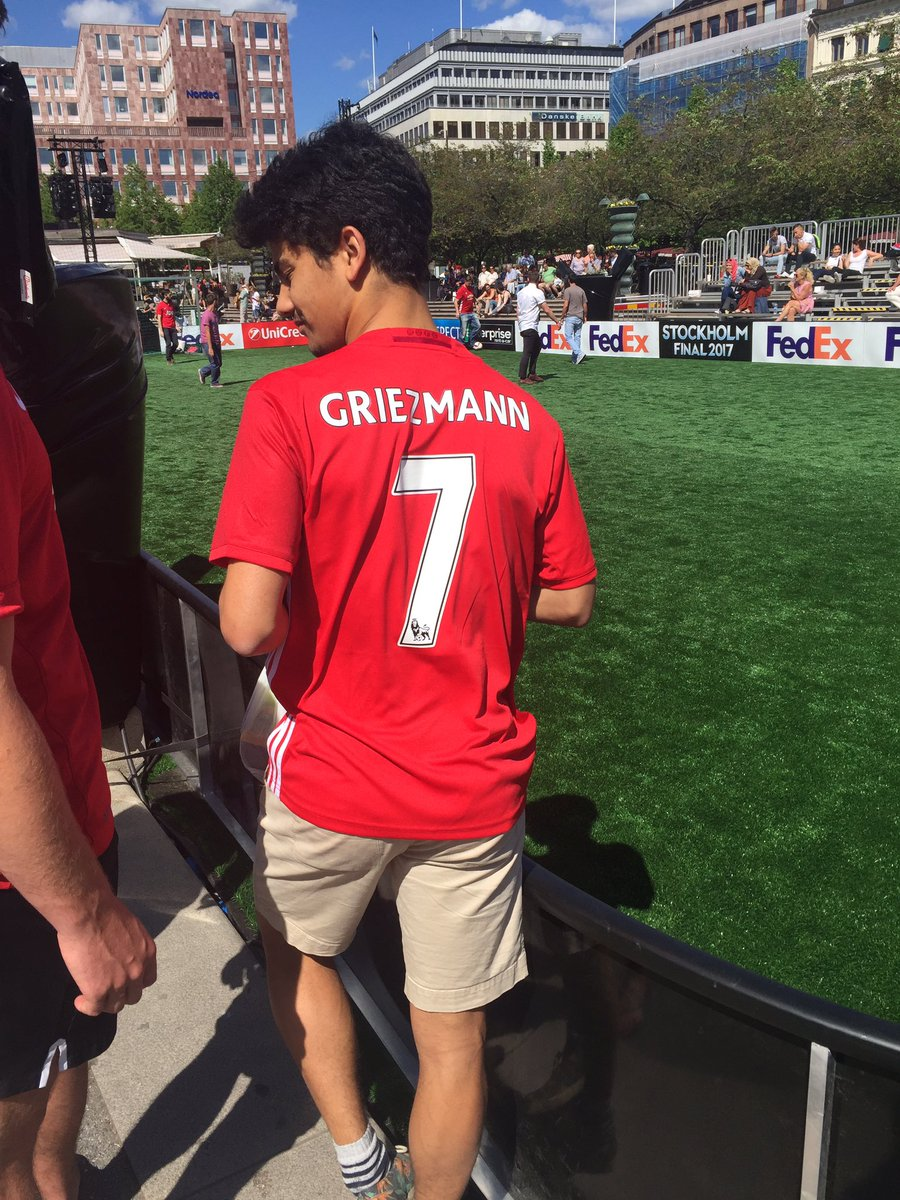 Breaking! From stockholm. It s done. #MUFC #Griezmann #mercato <br>http://pic.twitter.com/TgwoQW4WV5