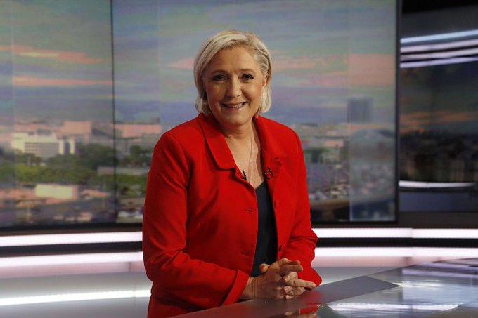 Marine Le Pen demande la démission Richard Ferrand >> https://t.co/QnylThxN4i