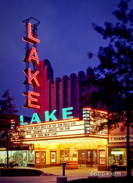 Lake Theater in Oak Park, 1936, Thomas Lamb. Image:  http:// decopix.com  &nbsp;   #artdeco #chicago #architecture #theater #oakpark #1930s #neon<br>http://pic.twitter.com/QnNDN7MBT3