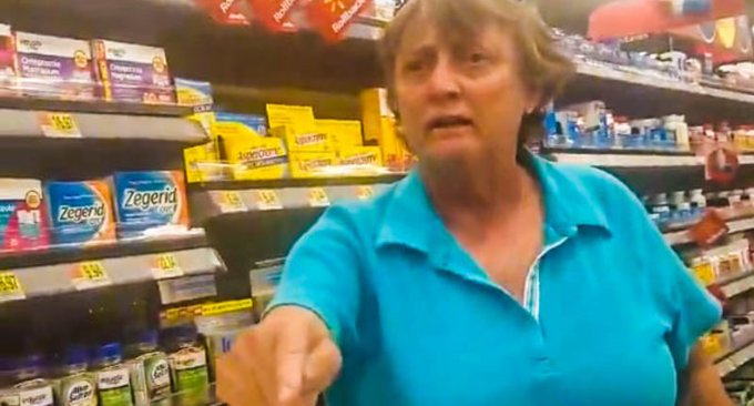 WATCH: Walmart shopper goes on crazed racist rant after Latina woman politely asks her to move cart https://t.co/DdAwd9sqkG