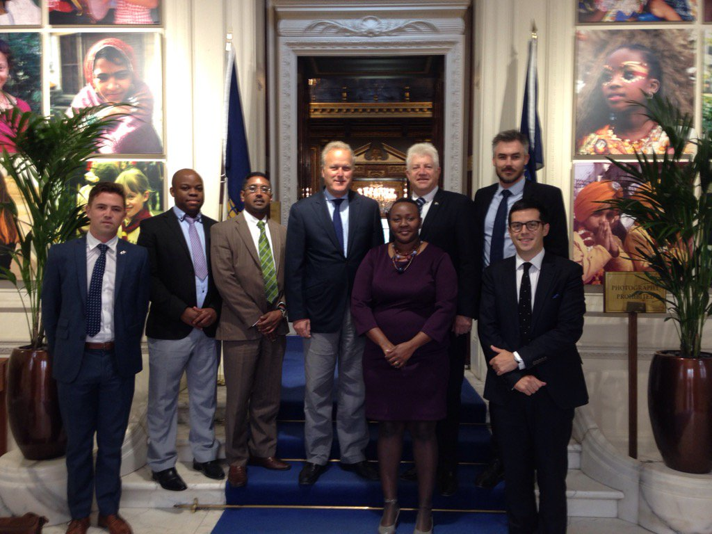 Lord Marland discusses opportunities in #westerncape #SA and #commonwealth collaboration  with @alanwinde @Wesgro<br>http://pic.twitter.com/SN0SYB6V3B