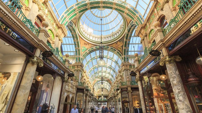 Leeds has been named the fifth best European city to visit by @lonelyplanet. Here, city insiders share their tips https://t.co/VecnTuhuZR