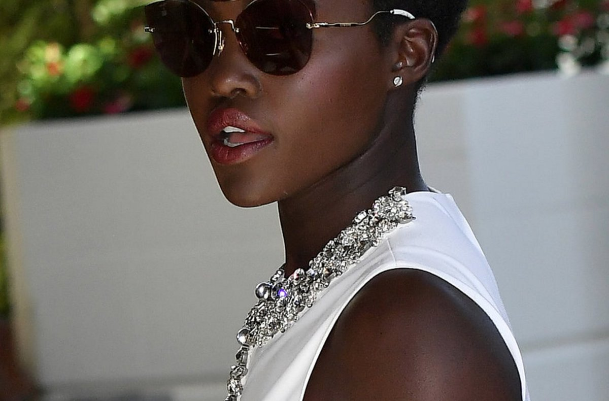 Lupita's latest red carpet hairstyle is a work of art.  https://t.co/WYELVcpdQT