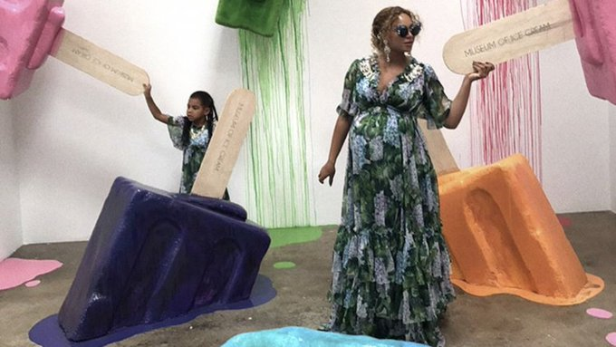 From Beyoncé and Blue Ivy's frolicking to Salma Hayek's pink hair: the week's best A-list Instagrams https://t.co/0dKVZXZgHO