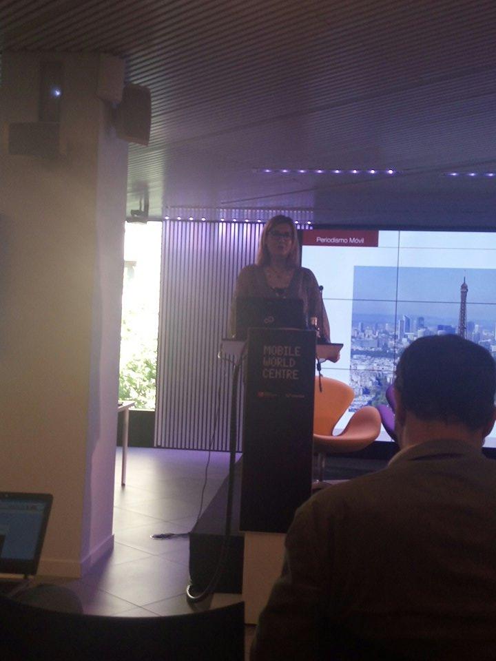 En la I Jornada de periodismo móvil #MoJoBCN en el Mobile World Centre. Los desafios del periodismo móvil. @CarmelaRios https://t.co/GyCHoPzHdh