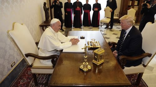 #News #Iran The Latest: Pope Francis meets first lady Melania #Trump :Video  http:// dlvr.it/PDLJGt  &nbsp;  <br>http://pic.twitter.com/wcgDROjMcc