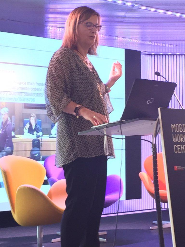 @CarmelaRios En redes sociales, dos keywords fundamentales según @CarmelaRios: dialogar y escuchar #MoJoBCN https://t.co/EgrIgvmIFm