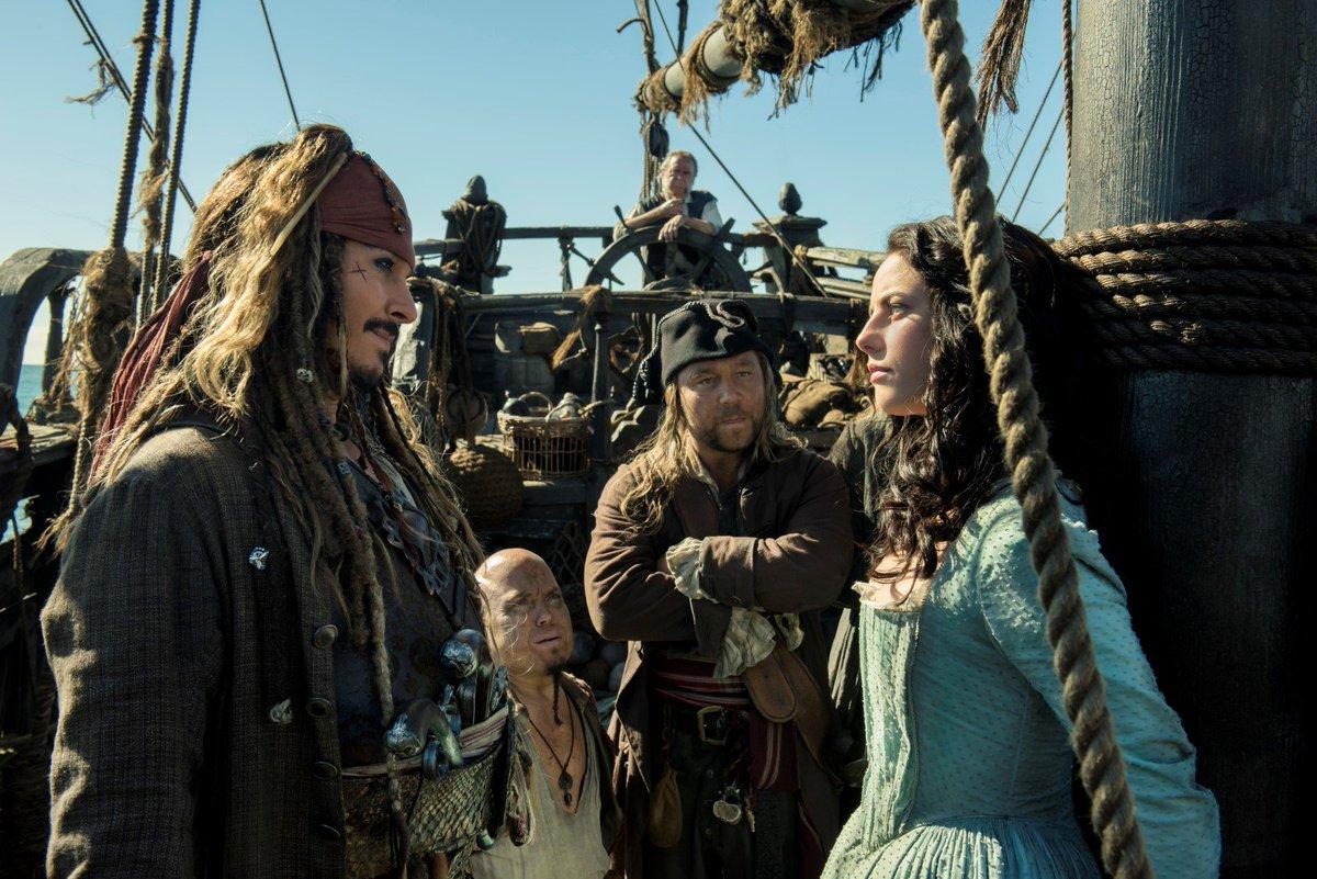 Aujourd'hui, c'est la sortie du film 'Pirates des Caraibes : La Vengeance de Salazar' ! 🏴☠️🏴☠️🏴☠️ RT ce post pour gagner vos places !🎬