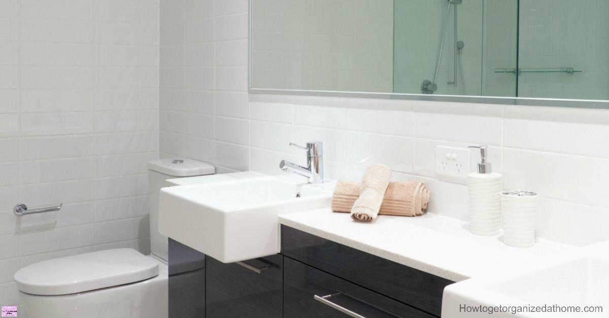 Organizing your bathroom isn&#39;t always easy! (sp) #organize #bathroom   http:// buff.ly/2rySzpi  &nbsp;  <br>http://pic.twitter.com/RAafGnYwVV