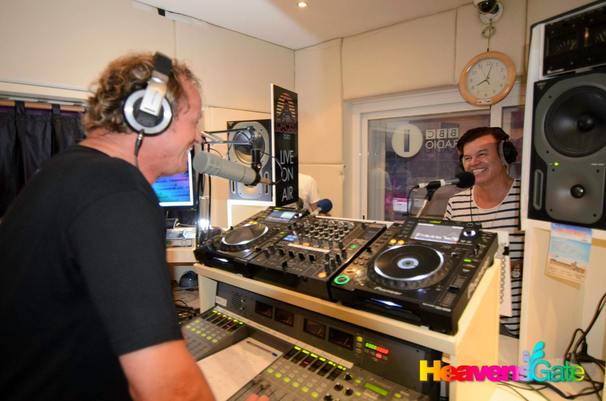#tbt @WoodyVanEyden in the interview with @pauloakenfold at #LIVEfromIBIZA!  @Mamboibiza   #dancelife #ibiza #housemusic #party #eivissa #dj<br>http://pic.twitter.com/FI5Tz9di8a