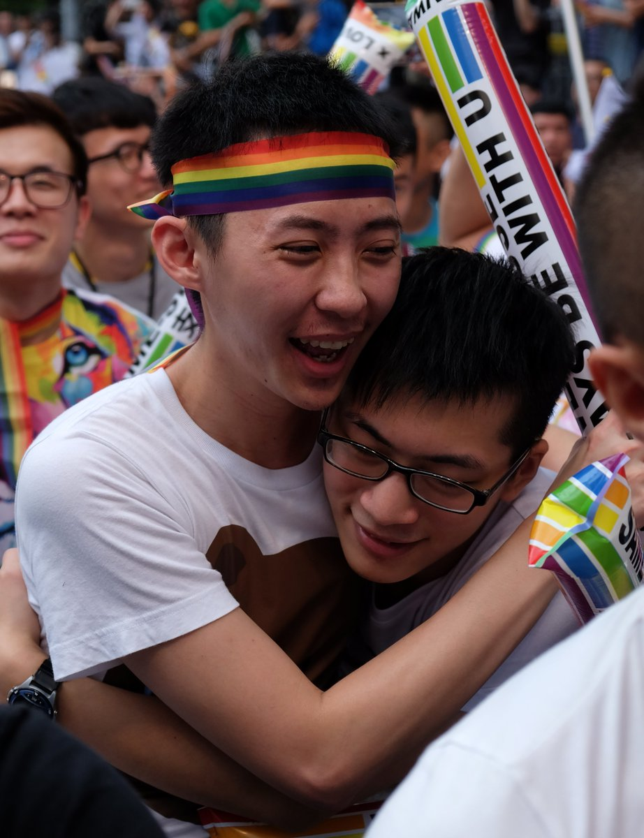 Taiwan reacts after landmark ruling in favor of marriage equality 🏳️🌈🇹🇼😭😍