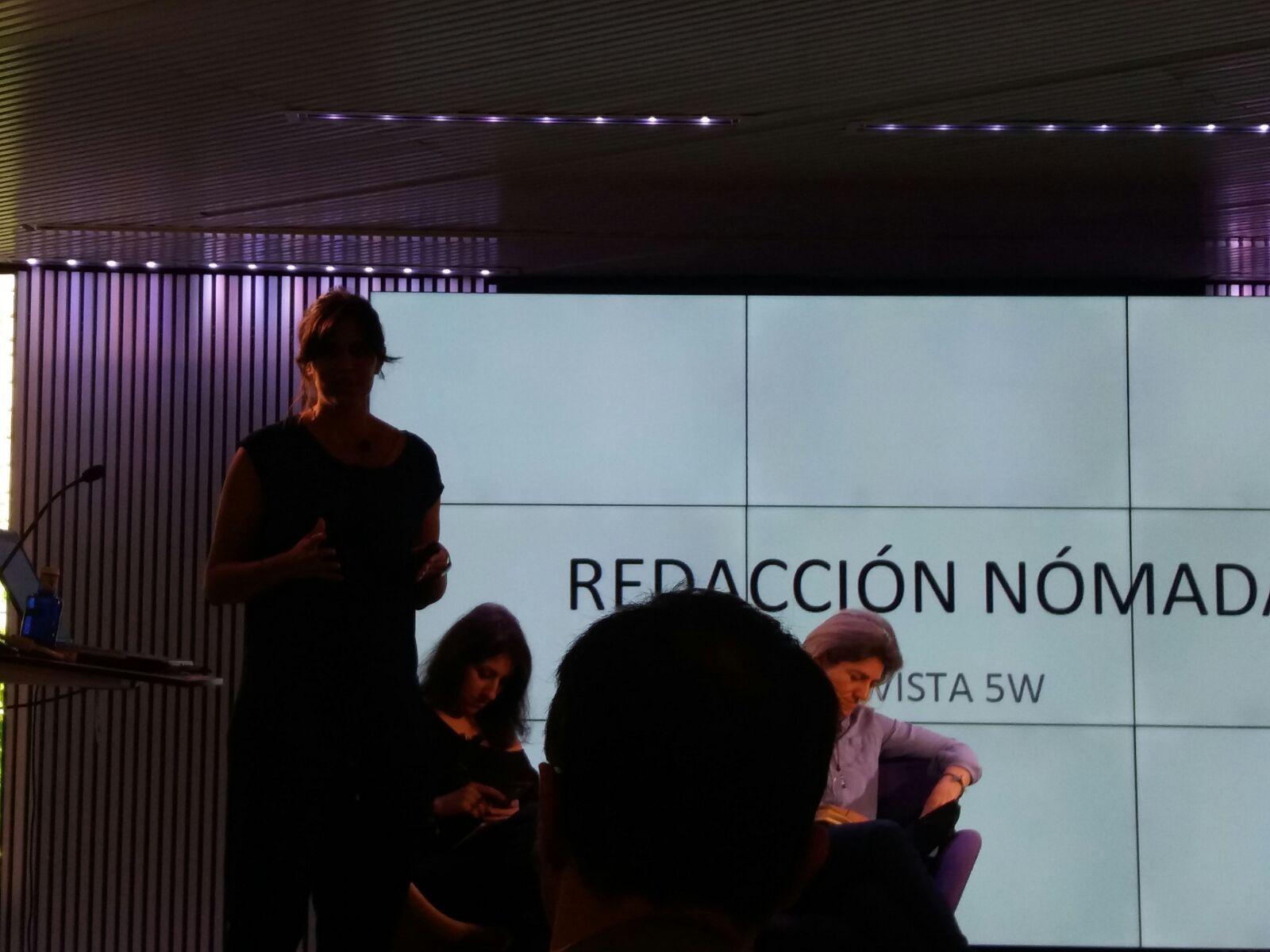 "@martarias presenta ""el movil como herramienta 5W""  @revista5W  en #MoJoBCN en el Mobile World Centre @anaisbernal https://t.co/FR8tTLvrOM"