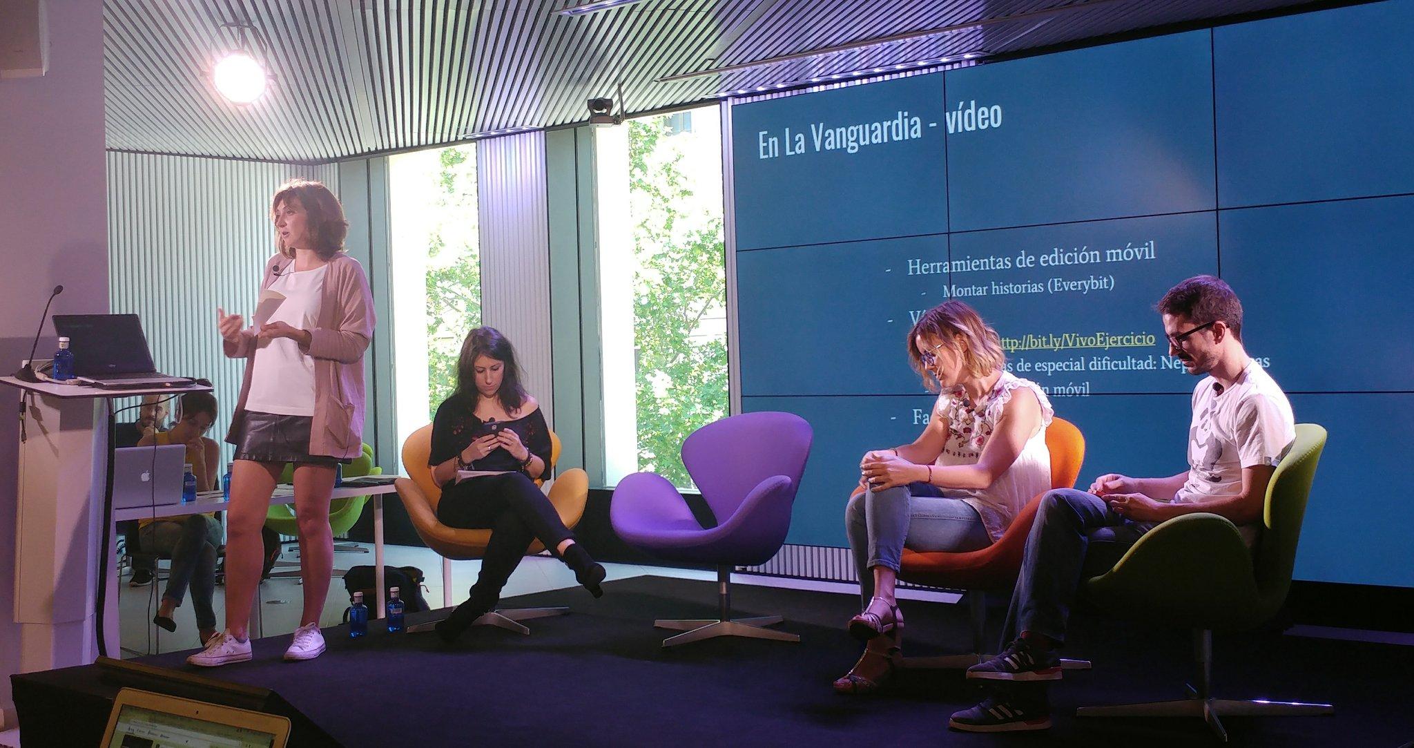 Thumbnail for Mesa redonda 2. Periodismo móvil y redes sociales:
