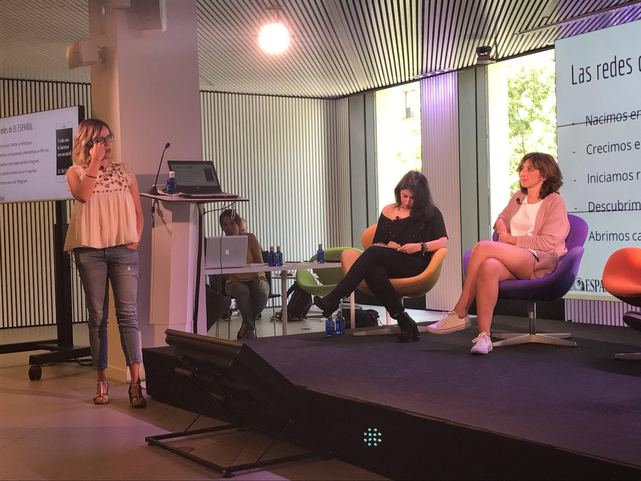 Seguimos en #MoJoBCN hablando de periodismo móvil y redes sociales. @patrimoralesq nos cuenta como usan las redes en @elespanolcom. https://t.co/sH01CV1saM