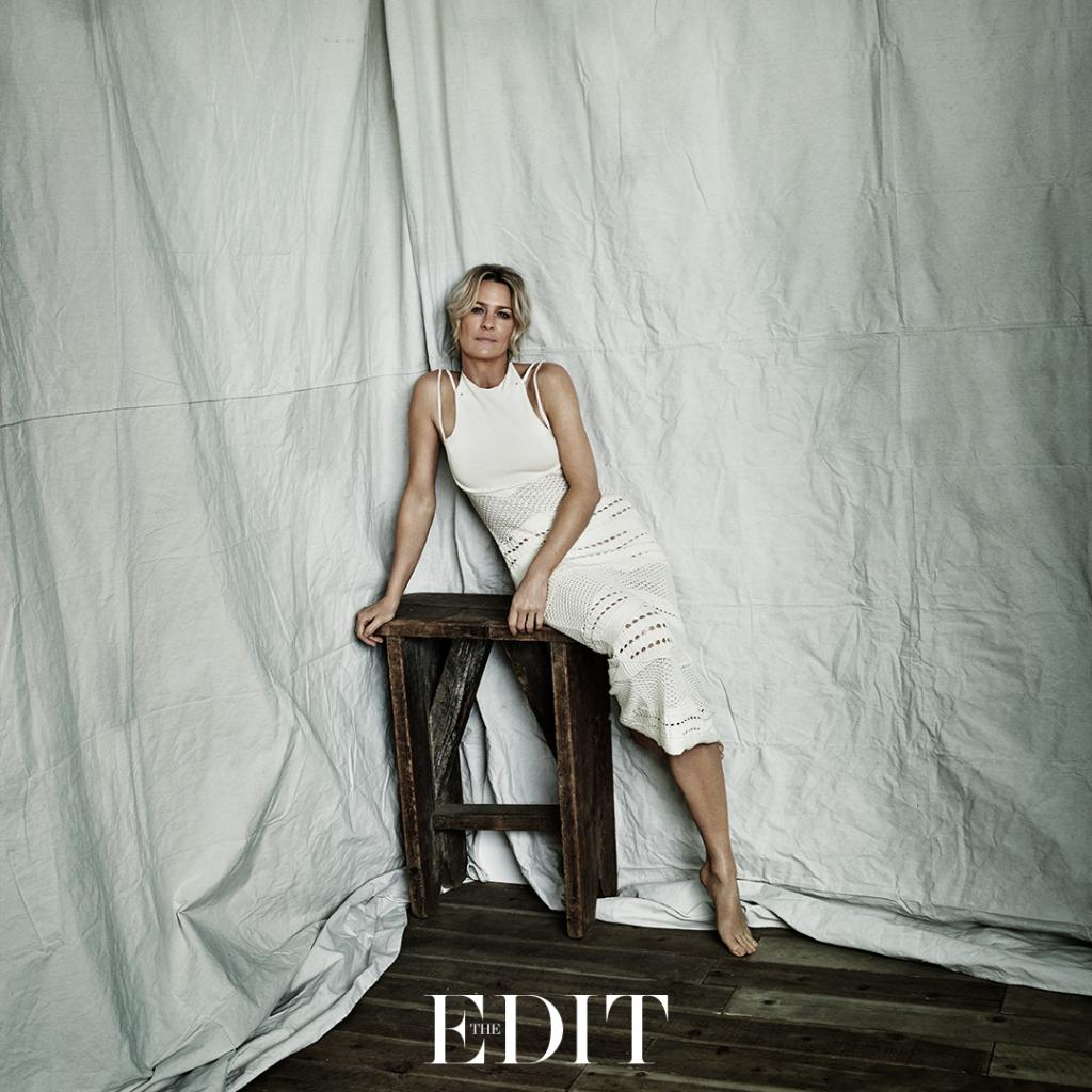 #RobinWright discusses equal pay with @Garbage singer #ShirleyManson #THEEDIT https://t.co/Yi5jq6Kvbh https://t.co/1dAODz4bw7