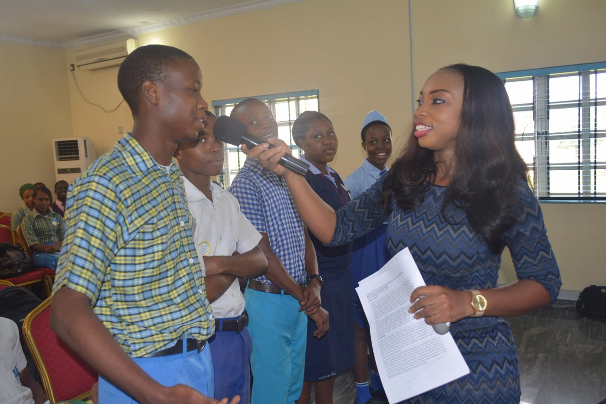 #Practical section with @dorakoli on #EffectiveCommunication at Inclusive Young Leadership Academy #YLA #SDG4 @TouchPH @DirectPHC @UNSDSN<br>http://pic.twitter.com/skNnnzExe6